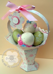 Pedestal basket with decorated eggs