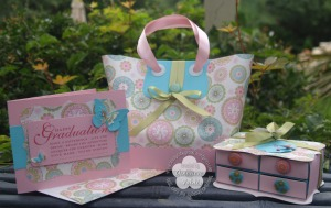 Graduation gift tote set