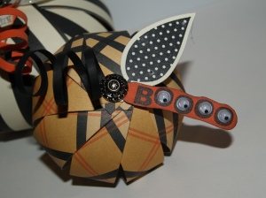 Halloween paper strip pumpkin